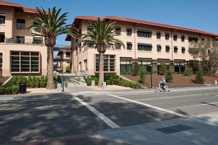 MBA School Choice: Harvard Vs  Stanford | FIND MBA