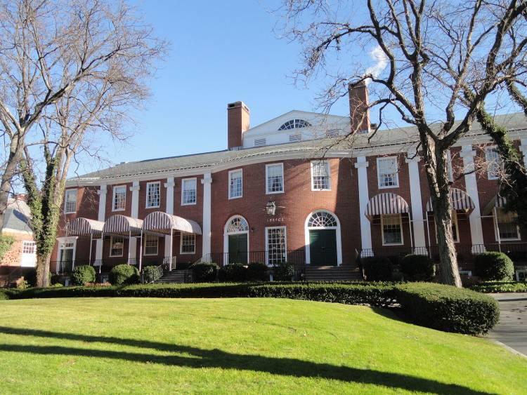 MBA School Choice: Harvard Vs  Stanford   FIND MBA