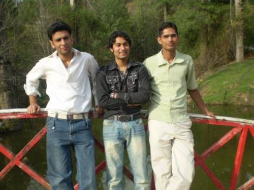 three best friend of arid agriculture uni,,, who are proud to ba ariadiansss. Jutt