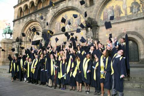 IGC Graduation picture in front of the Bremer Dom.