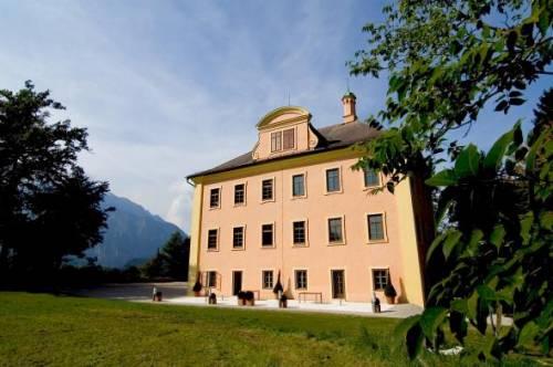 SMBS - University of Salzburg Business School auf Schloss Urstein, Puch bei Salzburg