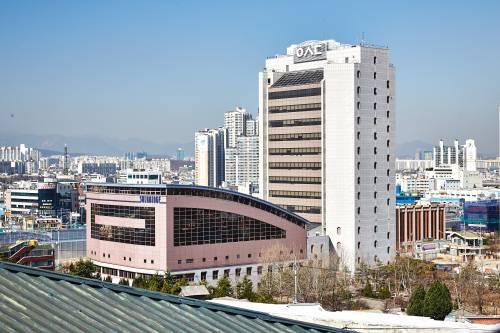 Aerial view of SolBridge International School of Business