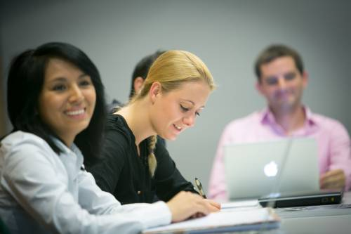 SHU MBA with internship international students acquire work experience and academic knowledge simultaenously.